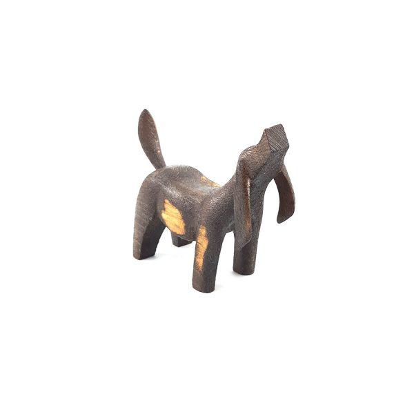 مجسمه چوبی سگ
