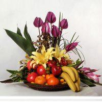 سبد میوه و گل شب یلدایی