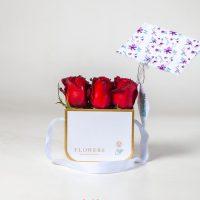 باکس گل رز قرمز (رویال سفید کوچک)