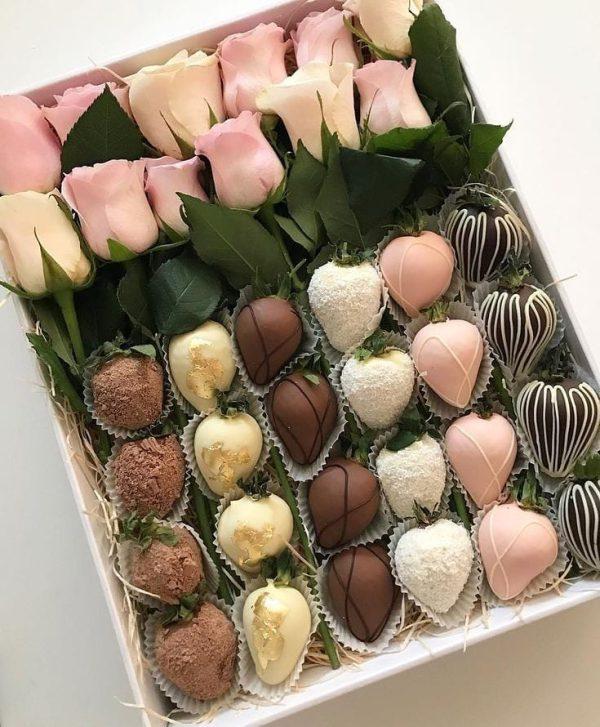 باکس سورپرایز گل و شکلات کد 16