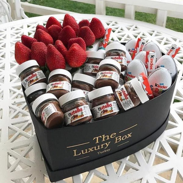 باکس شکلات و توت فرنگی ولنتاین