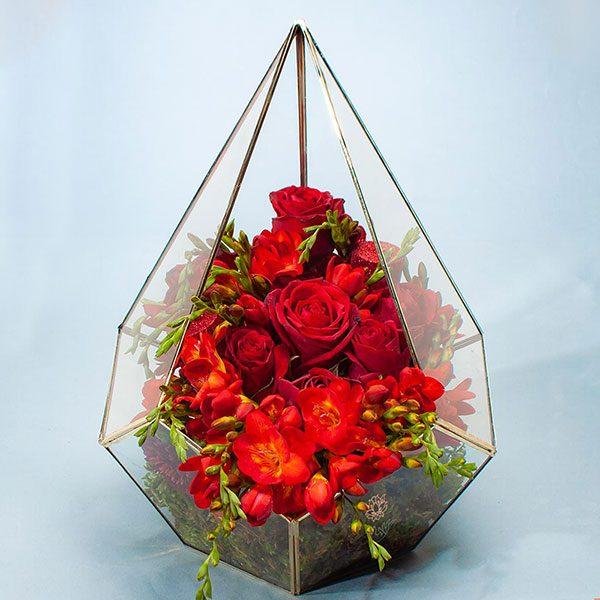 باکس گل فریزیا و رز