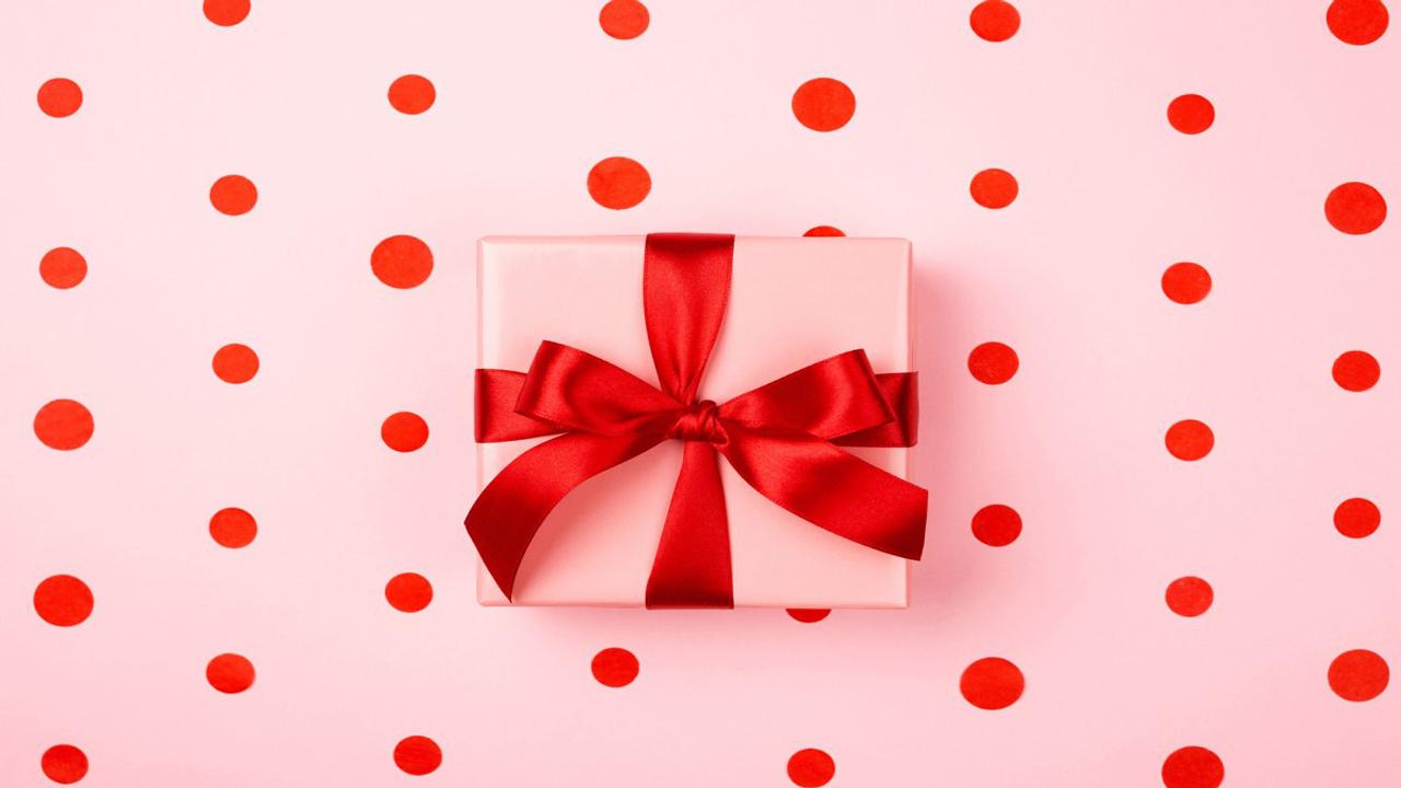 تزیین هدیه ولنتاین برای خانم ها